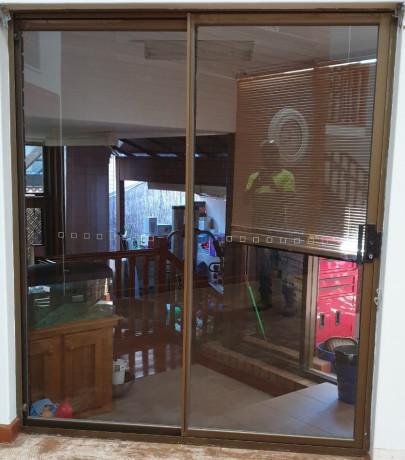 aluminum-framed-glass-sliding-door-big-1