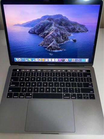 macbook-pro-2017-on-sale-big-0